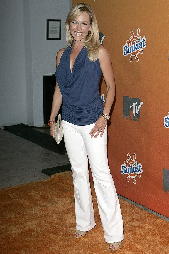 Julie Benz. Babe # 129 – Julie Benz