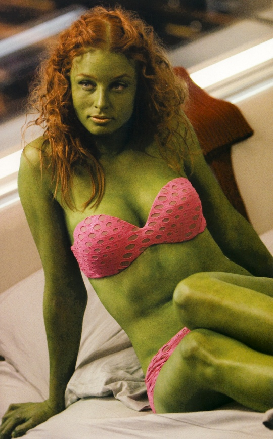 Sexy green girl on star trek