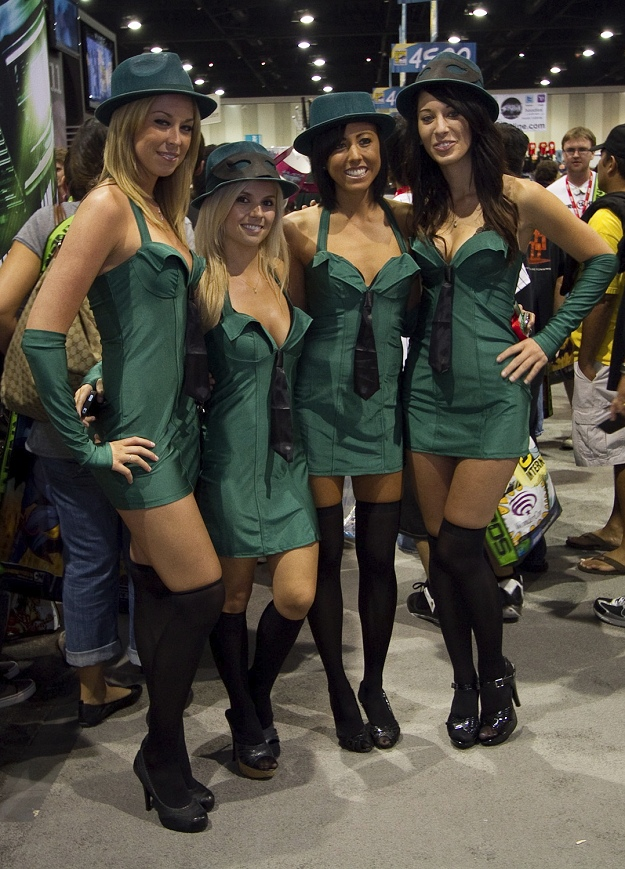 2010-07-23_Green_Hornet_Girls
