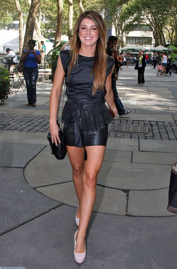 Babe # 884  Shenae Grimes
