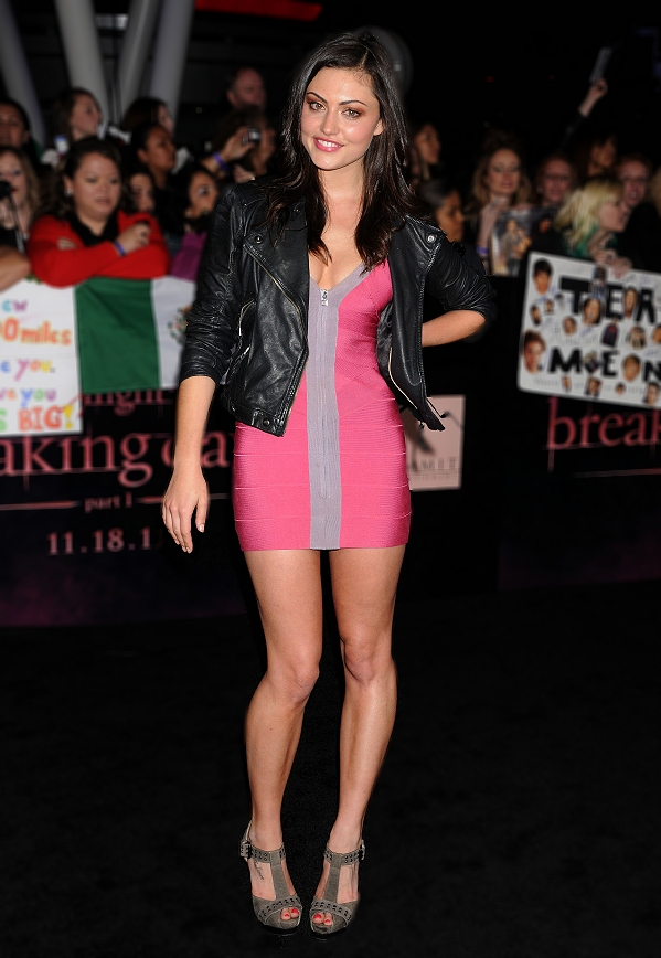 Babe # 1036  Phoebe Tonkin