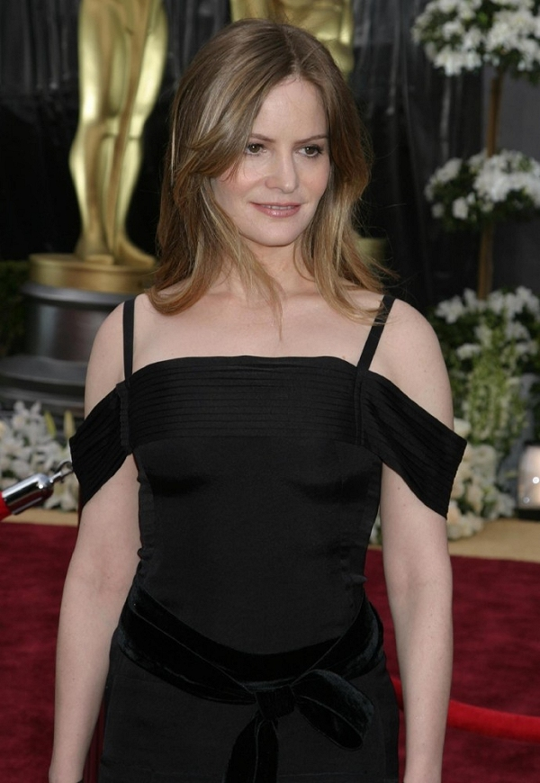 Babe # 1076 &#8211; Jennifer Jason Leigh