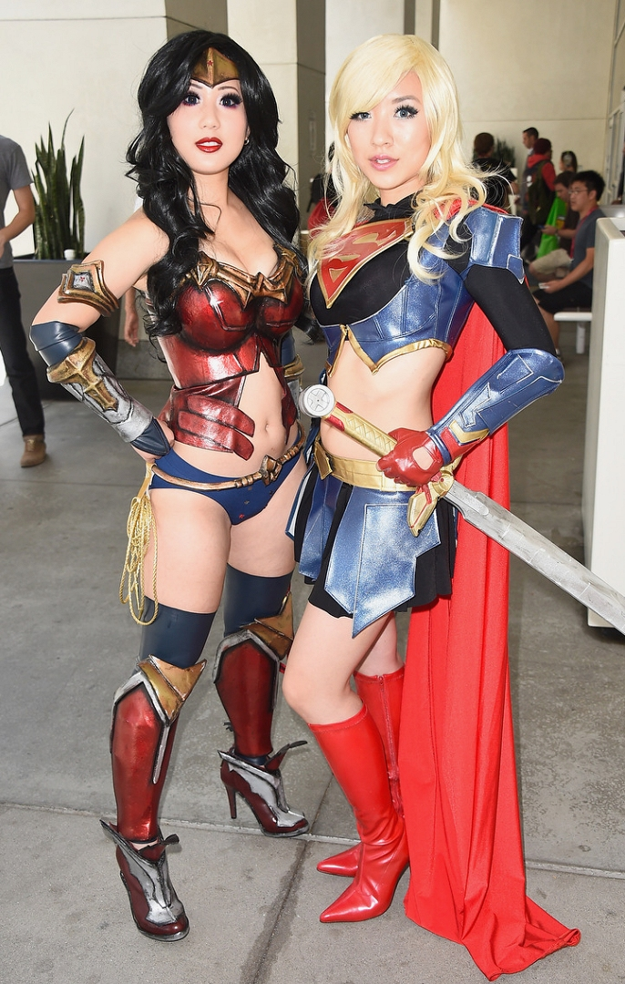 Babe # 1885 – Cosplayers