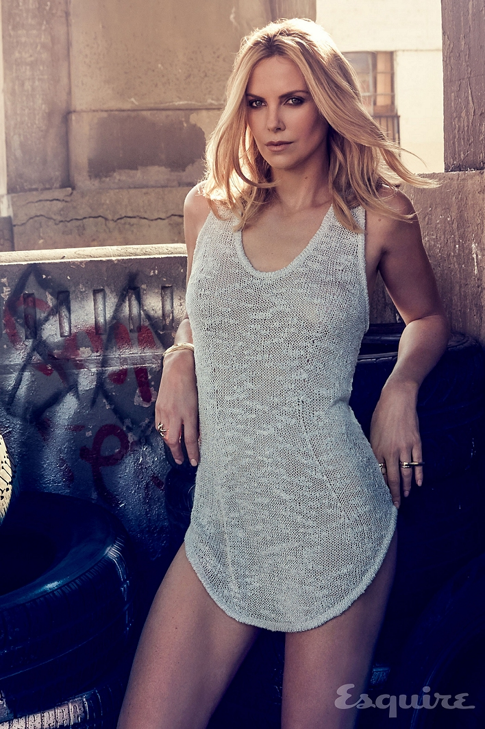Babe # 1920 – Charlize Theron