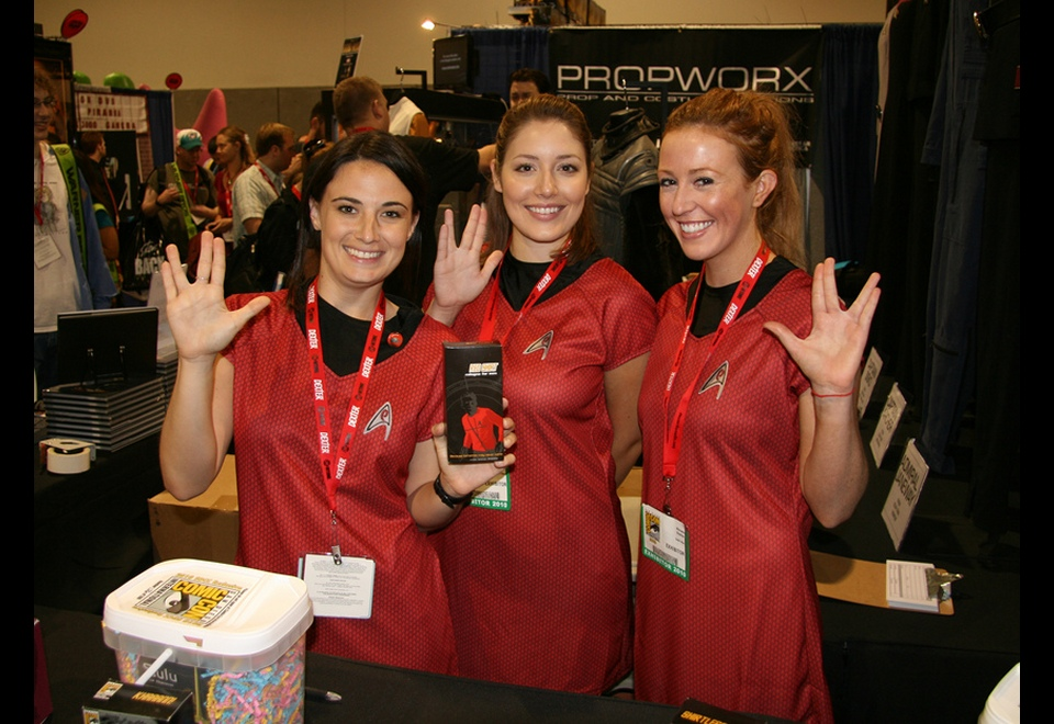 2010-07-28_More_Trek_Girls