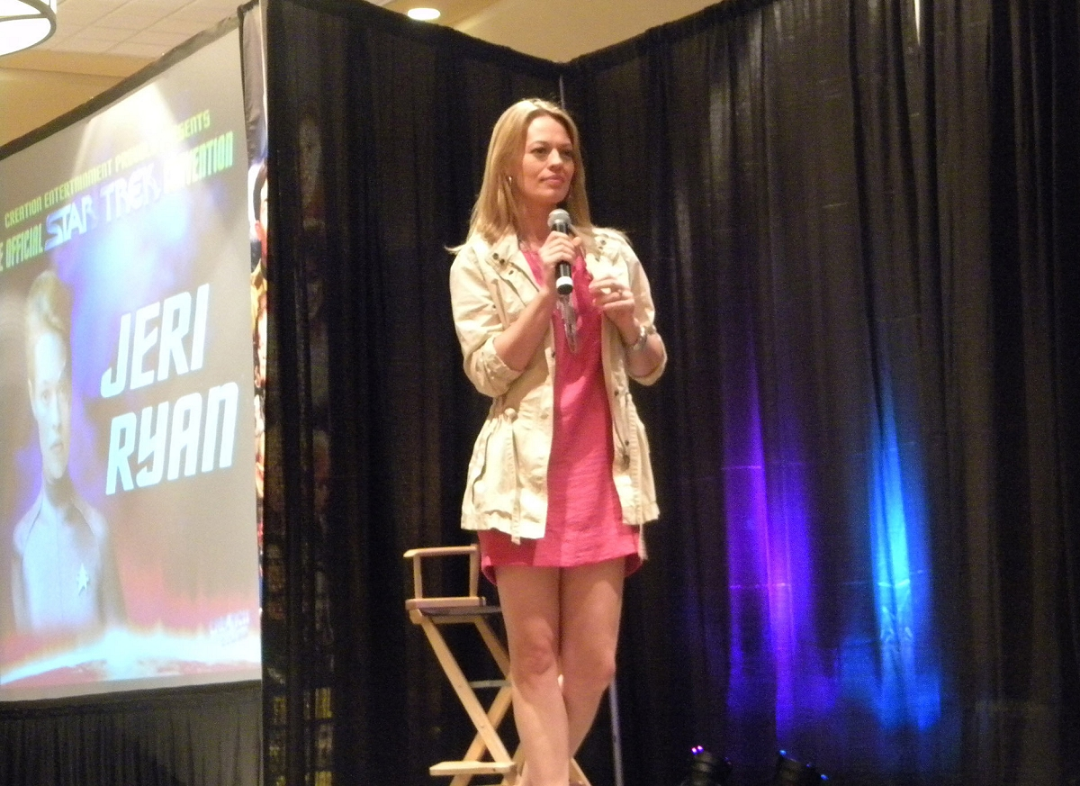 Daily Pic # 1447, Jeri at a Con