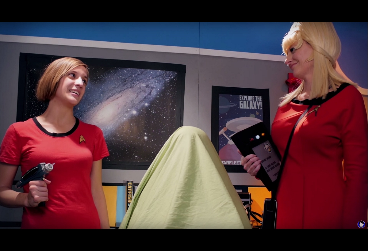 Daily Pic # 2639, Red Shirts